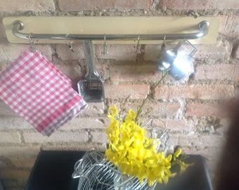 Garderrobenleiste kitchen bar