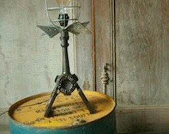 FLAM 01-Room-Light Lamp-Lighting-Vintage-Insdutriel-Helice-Small series-Upcycled-Steampunk