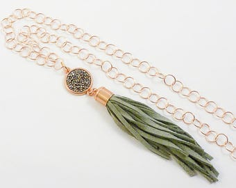 Long tassel chain rose gold-khaki Green
