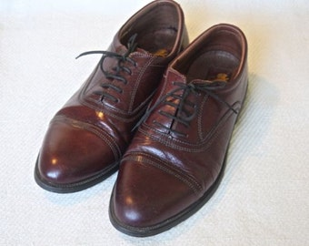 Vintage Men leather shoes SIZE 9