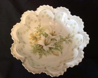 """RS Prussia Fine Porcelain China Bowl """"Lily"""" Pattern"""