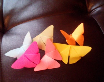 100 small coloured paper butterflies