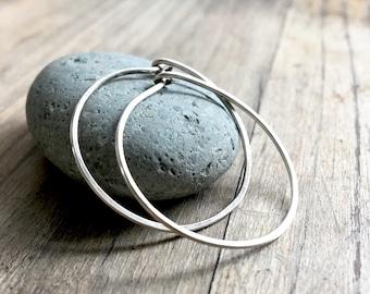 Small Sterling Silver Hoop Earrings // Hammered Metal // Classic Hoops