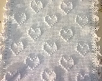Crochet cover with Hearts pattern