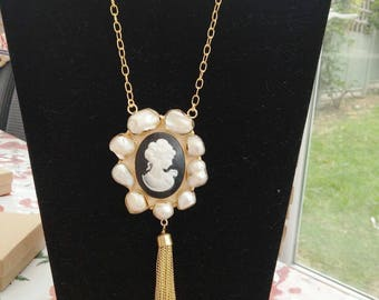 22ct gold plated Raw Pearl Lady Victoria beautiful handmade Necklace.