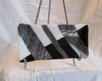 Black & White Series/Set: Small rectangle fluted dish