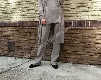 Knitted tripple trousers suit