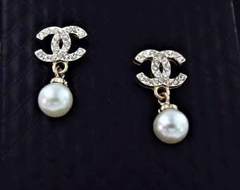 Classy and Fabulous Pearl Earrings *BACK IN STOCK*