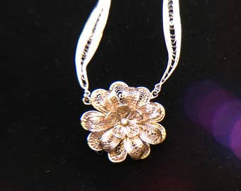 Sterling silver filigree triple flower and necklace.