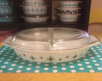 Pyrex Compass Divided Casserole Dish w/lid