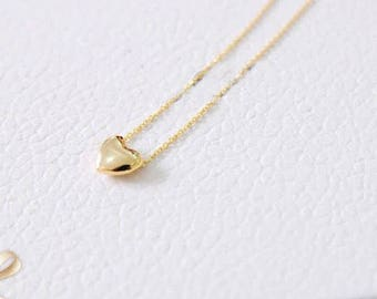 Dainty small heart gold necklace