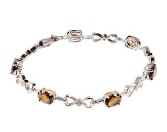 Loop bracelet with cubic zirconia