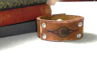 men's women's leather patch bracelet