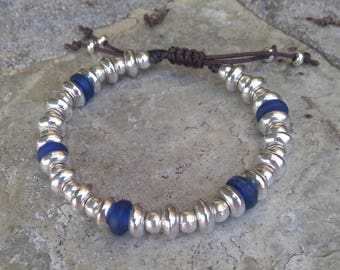 Bracelet silver beads and blue glass