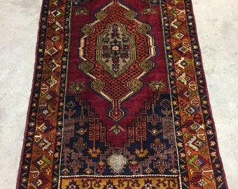 Antique Persian Rug. FINE Quality.