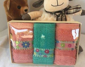 Children Decorative Face Towel with Flowes