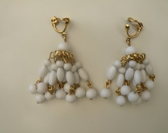 Vintage Gold Tone and White Bead Earrings, Vintage Chandelier Earrings, Vintage White Earrings, Vintage Clip On Earrings