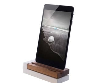 Charger for iPhone from-Nussbaum-wood and concrete