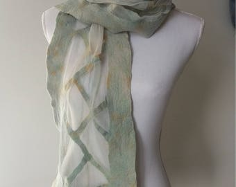 Felted scarf with chiffon silk in pastel shades