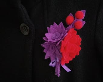 Flower brooch from felt