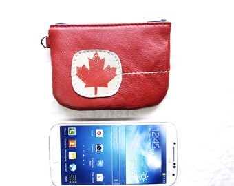 Maple Leaf Zip Wallet in Recycled Leather