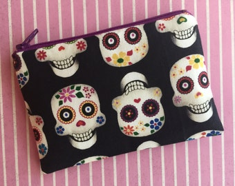 Sugar Skulls Change Pouch -  Day of the dead zipper pouch - Colorful Skulls coin purse - Black change purse - skull bag - skull wallet