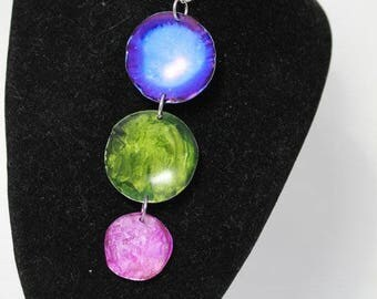Blue, Pink and Green Disk Pendant Necklace AIN2