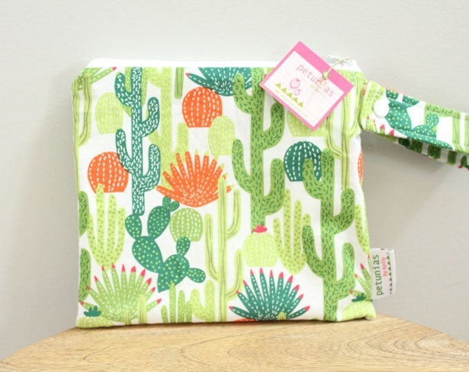 wetbag wet bag The ICKY Bag petite cactus cosmetic baby gift waterproof gym sports cloth diaper pouch zipper snap handle baby gift gear