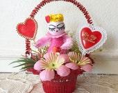 Vintage Valentine Kitsch Basket - Be My Valentine