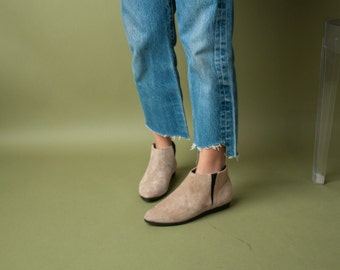 beige suede ankle boots / simple ankle booties / 7.5 / 783s / B3