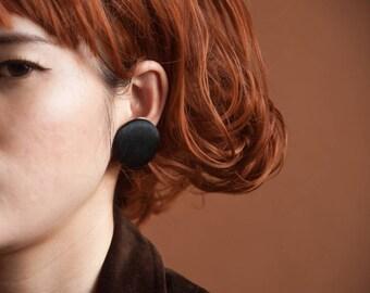 black fabric circle earrings / geometric earrings / round earrings / 1544a