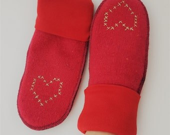 Gold crosstitched heart Mittens, Red
