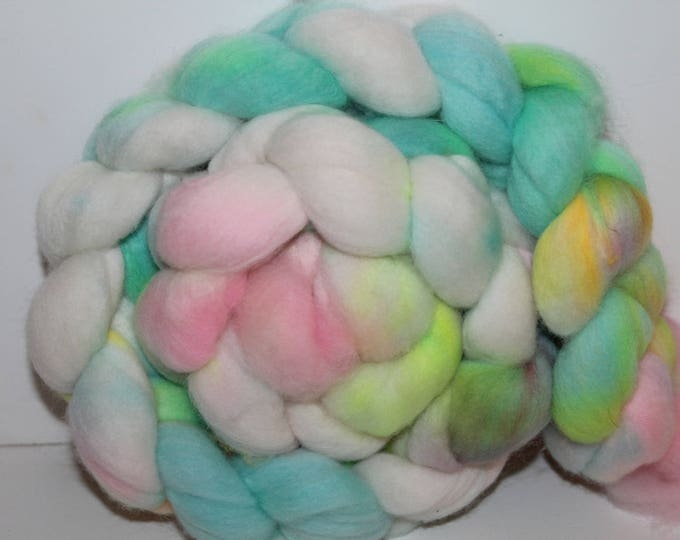 Kettle Dyed Merino Wool Top. Super fine. 19 micrno  Soft and easy to spin. 4oz  Braid. Spin. Felt. Roving. M206