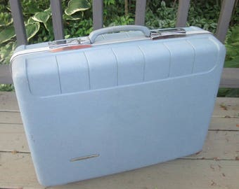 Vintage Luggage - Starflite Molded Blue Suitcase - Light Blue Medium Size Suitcase