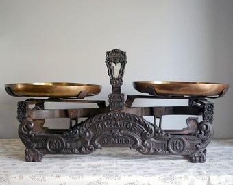 Cast Iron Scale, Antique Balance Scale, Brazilian Store Scale, Ornate Cast Iron, Rustic Farmhouse Decor, Brass Pans, Cabin Chic Decor