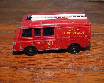 Vintage . Lesney . Matchbox Series No 57. Land Rover Fire Truck.