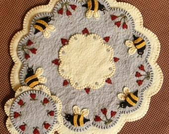 NEW***  Bee My Honey Bee Candle Mat Kit, Penny Rug Kit, Wool Felt Kit, Prim Wool Felt Kit, Merino Wool Candle Mat Kit, Bee Candle Mat Kit