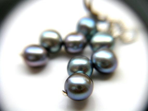 Purple Grey Pearl Earrings . Purple Pearl Earrings . Metallic Purple Earrings Wedding Jewelry Bridesmaid Earrings - Charlotte Collection