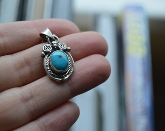 Vintage sterling silver Navajo turquoise necklace
