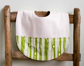 Green Organic Toddler Bib,  Rustic Wood Grain Design Organic Cotton Feeding Bib for Boys and Girls, Highchair Baby Bib, Handmade in Canada