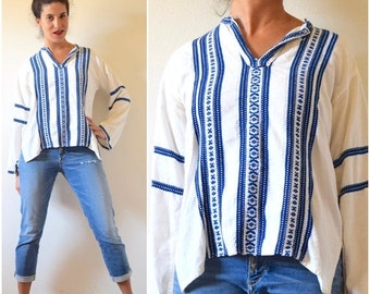 FLASH SALE / 20% off Vintage 60s 70s Grecian Linen Embroidered Tunic (size small, medium)