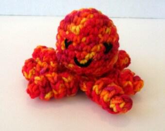 SUNSHINE PRINT Mini Amigurumi Octopus. Plush Toy Octopus. Amigurumi Animal. Cute Kawaii Cthulhu. Stuffed Toy Octopus in Red, Orange & Yellow