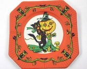 Vintage 1940s Halloween Paper Plate with Black Cat Jack O Lantern Scarecrow and Owls