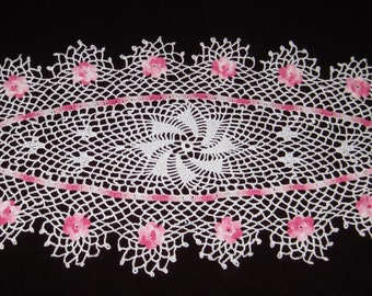 Valentines Roses Oval crochet coaster doily runner 28 by 14 inches