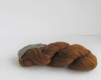Cascade 220, Burnt Umber 9471, Cascade Yarn, golden brown, wool, C, destash new