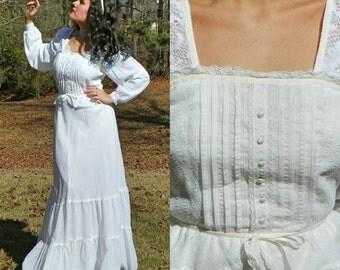 1970s Vintage White Prairie Wedding Dress Long Sleeve Pintuck Lace Peplum White Maxi Dress Boho Hippie Wedding Size Small