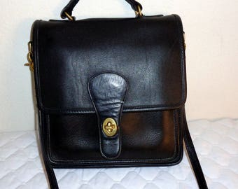 Coach Station bag, cross body bag satchel purse handbag jet   black  thick glove tanned leather vintage late 80s Classic Coach Collection
