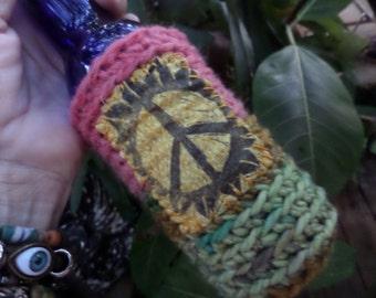 Hippie Beer, Beer wrap, beer holder, bottle cooler, can cooler, beer cozy,  hippie gift, peace sign, festival crochet,C13, cheers,