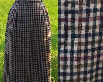 Charming 70s Wool Plaid Skirt 26 Waist