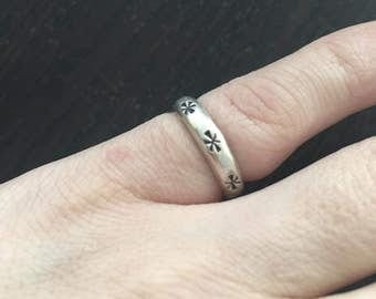 Sale - Signed silver ring size 5